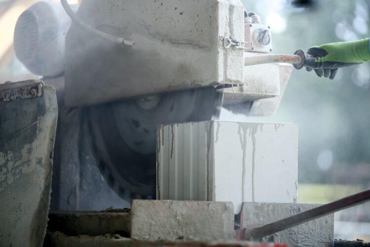 Bloczki silikatowe - cięcie