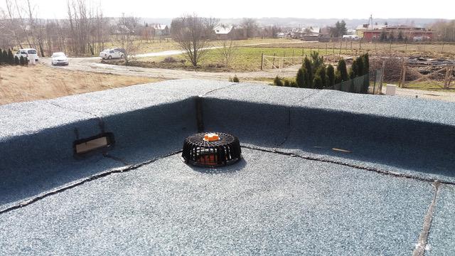 dach płaski attykowy